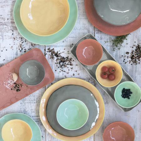 Тарелка обеденная INTERIORS YELLOW 26 см